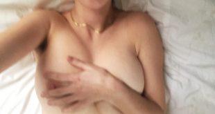 Selfie hot seins nus